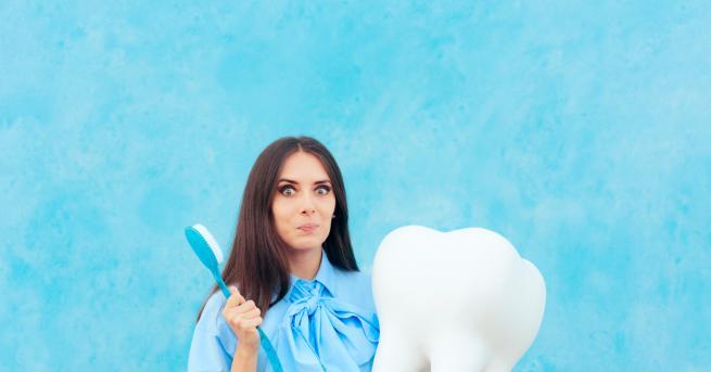 Любопитно Избелване на зъбите с куркума. Работи ли? Влогърката от