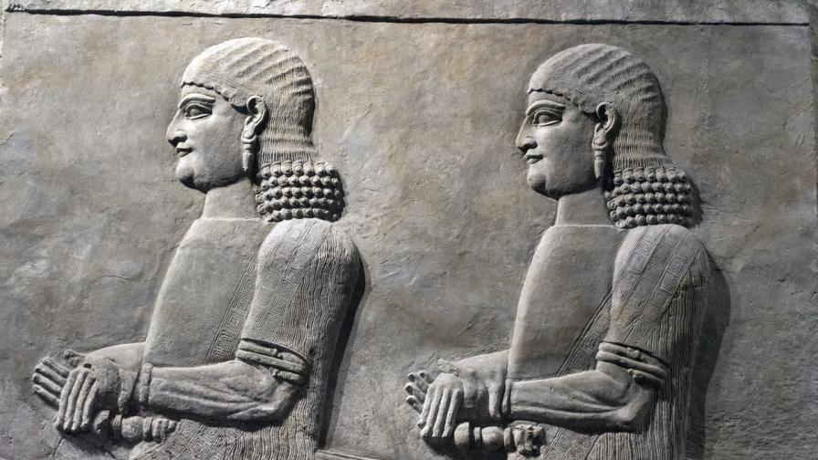 <p>Адска суша ли е унищожила <strong>Асирийската империя?</strong></p>