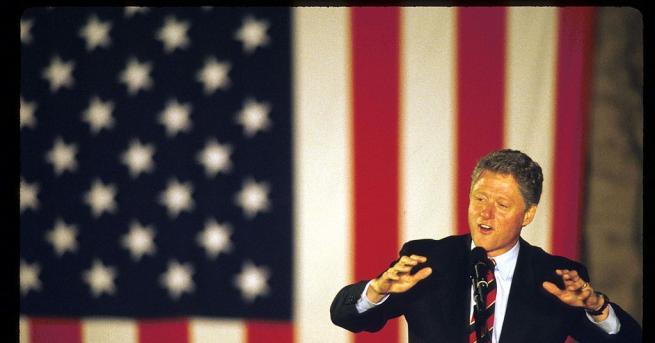 България Преди 20 г. Бил Клинтън изнася реч на площад