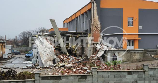 България Взрив на парен котел срина сграда в Харманли Нямa