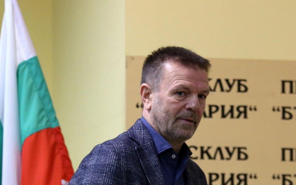 Кайсар на Стойчо Младенов с поражение в Казахстан