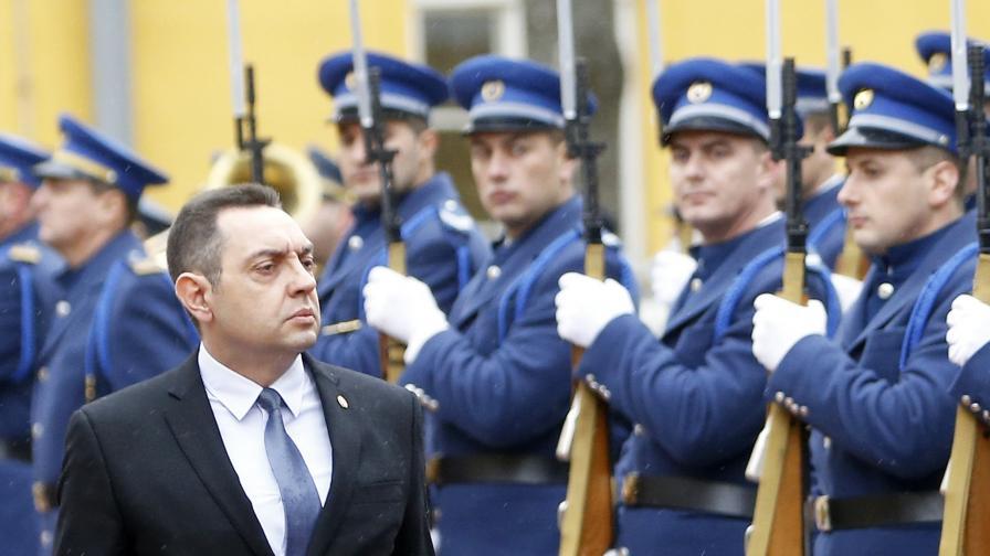 Сръбският министър на отбраната Александър Вулин
