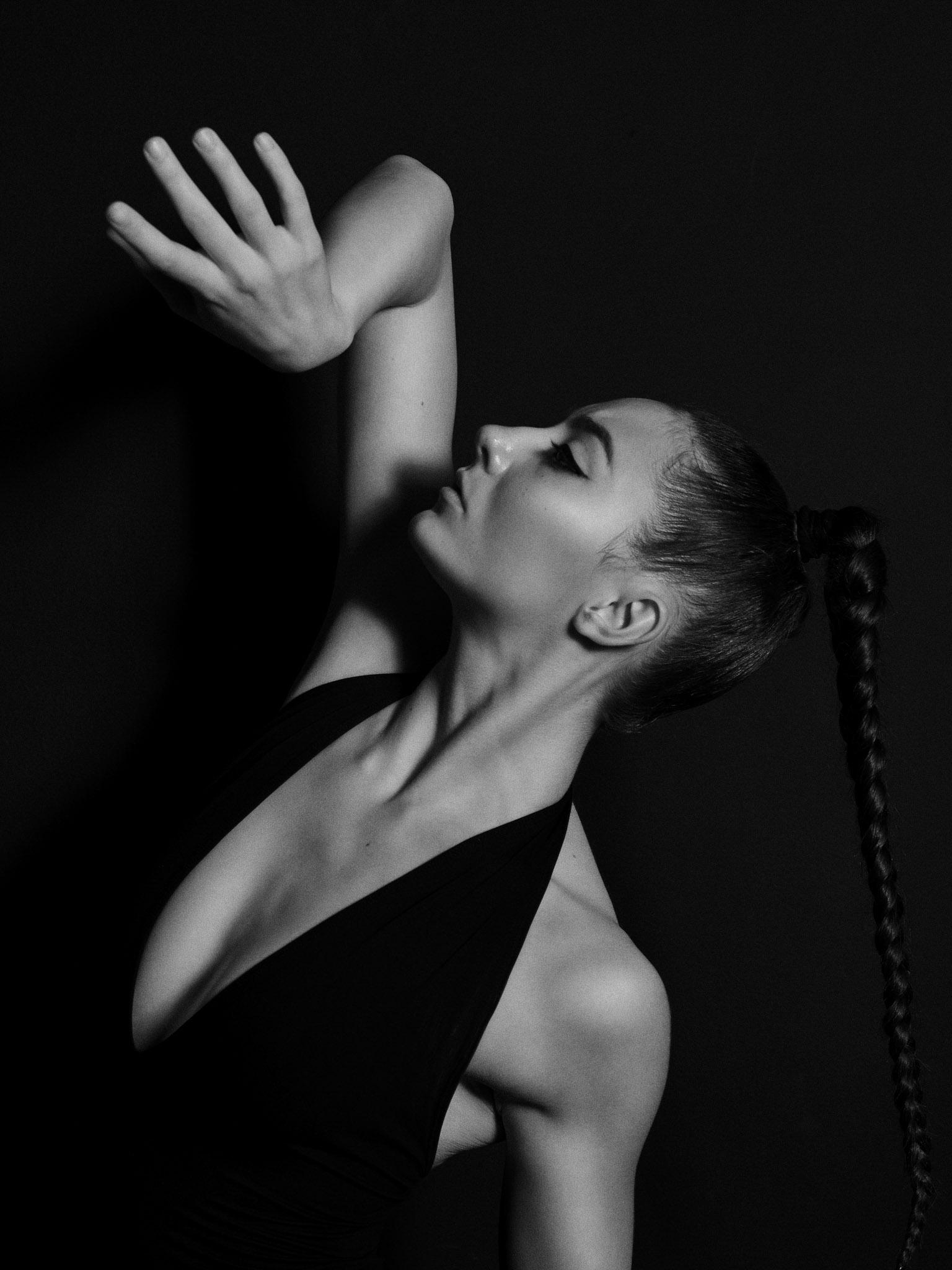 <p>Танцът&nbsp; за Алекс е начин и стремеж да преминеш отвъд границите на реалното и възможното.</p>