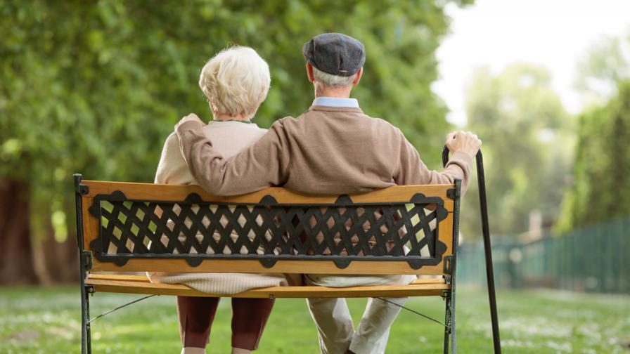 """<p>Дядо Джо и <span style=""""color:#ffbc00;""""><strong>60-годишната любов</strong></span> към неговата съпруга</p>"""