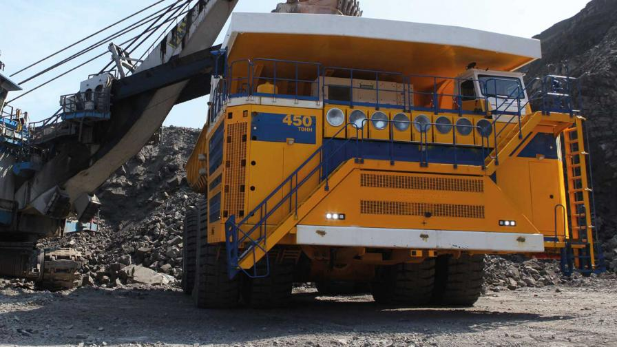 <p>Това е най-големият камион в света</p>
