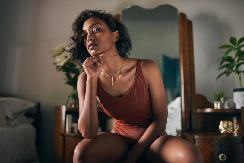 <p>Сексолози установиха, че оргазмът рано сутрин стимулира циркулацията на кръвта, което подхранва кожата и косата. Така че, дами, ако искате бляскава коса и гладка кожа, сутрешните интимни ласки са най-приятният начин да ги постигнете.</p>