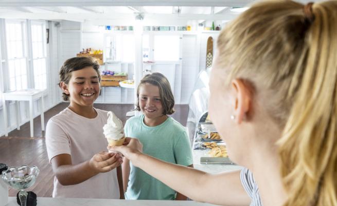От продавачка на сладолед до модел на Luis Vuitton