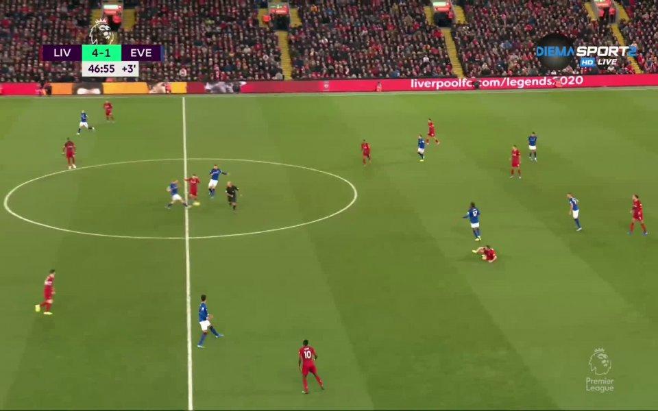 На почивката отборът на Ливърпул води с 4:2 срещу Евертън