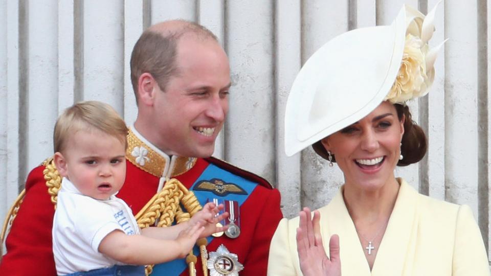 принц Луи Кейт Мидълтън принц Уилям