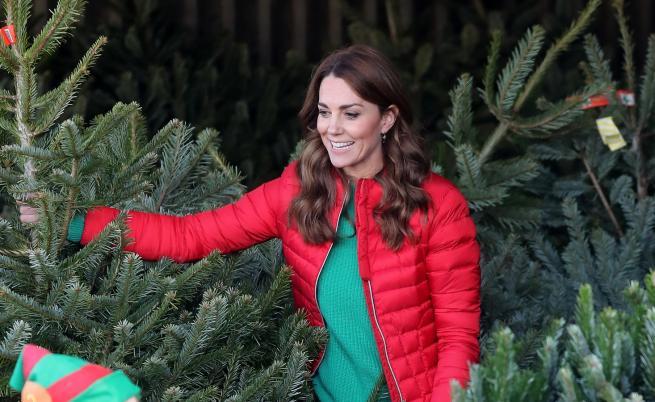 Express: Кейт Мидълтън заложи на български чорапи