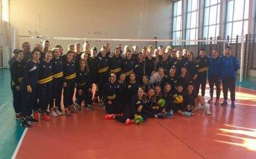 Националният волейболен селекционер на жените с лекция в ССУ