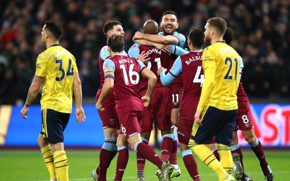 Отборътна Уест Хем води с 1:0 наАрсенал в двубой от