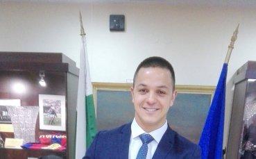 Плувецът Цанко Цанков дари исторически екип на Музея на спорта