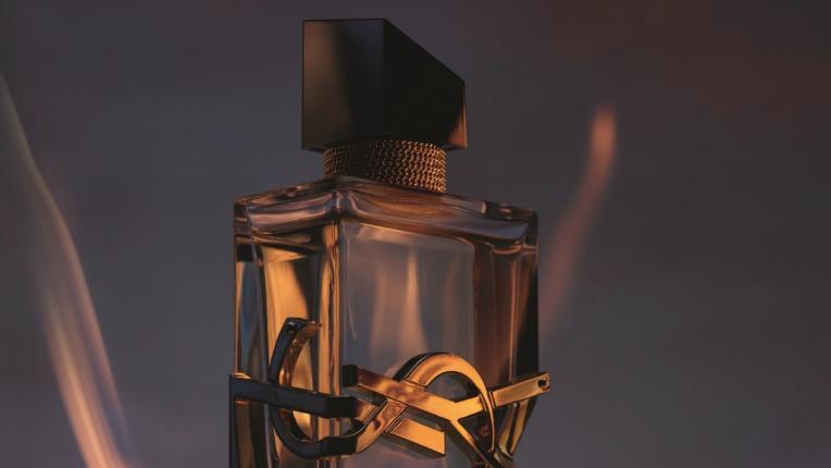 """""""Бъдете бурята на деня, слънцето в нощта"""" с Libre – новият дамски аромат на Yves Saint Laurent"""