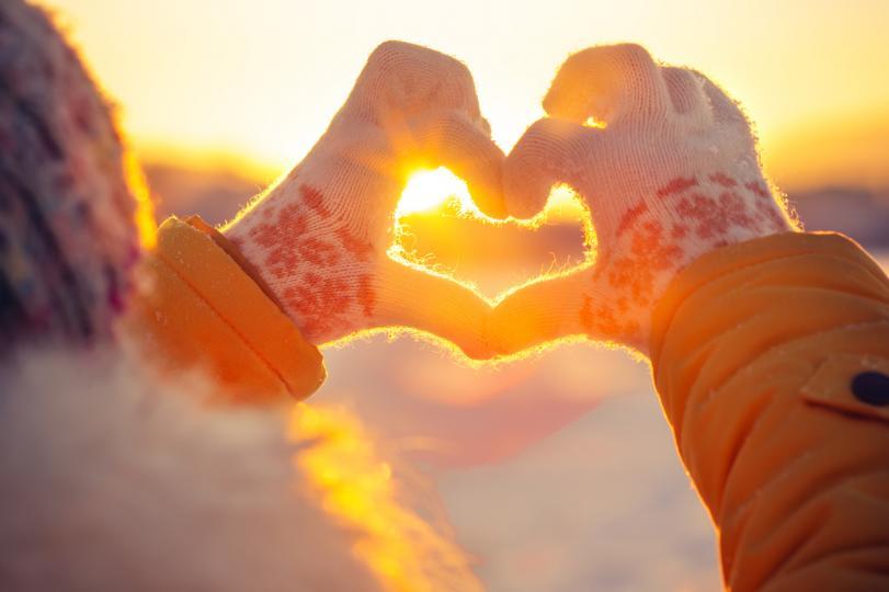 <p><strong>Телец</strong></p>  <p>Май е месецът, в който Телците могат да се считат за късметлии. Това ще бъде месецът, когато мечтите им се сбъдват по-лесно, желанията им са чути, наслаждават се на първата ваканция за годината или се отдават на много романтични срещи. През май онези, които решат да се оженят по-бързо от очакваното, дори могат да отидат на медения си месец! Май е и месецът, който ще донесе най-много успехи и нови възможности в кариерата. Най-добрите месеци за почивка са юни и септември, защото точно тогава ще имате най-много енергия и желание за живот. Поканете приятелите си в планината и отпразнувайте рождения си ден, защото заслужавате да се отпуснете.</p>