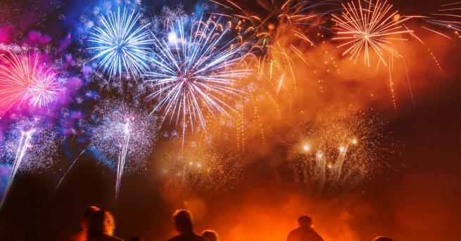 Свят Край на новогодишните фойерверки? Любителите на новогодишната пукотевица бранят