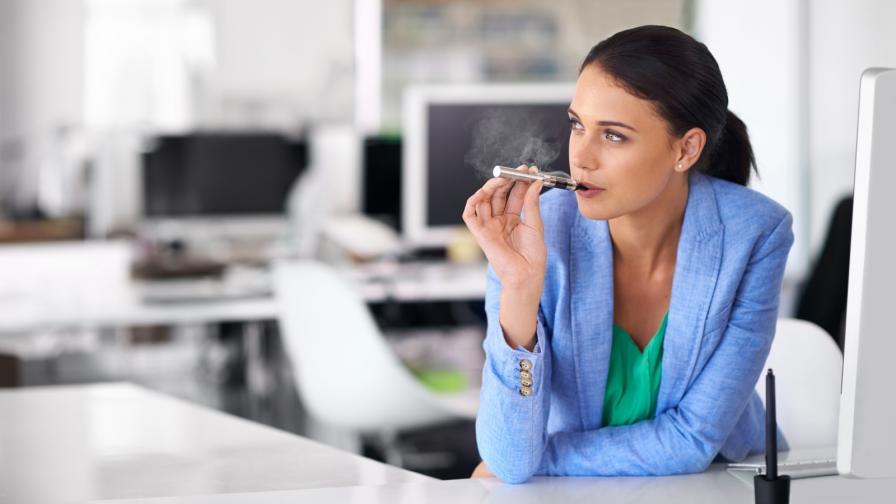 След 6-месечна употреба на електронна цигара жена получи....