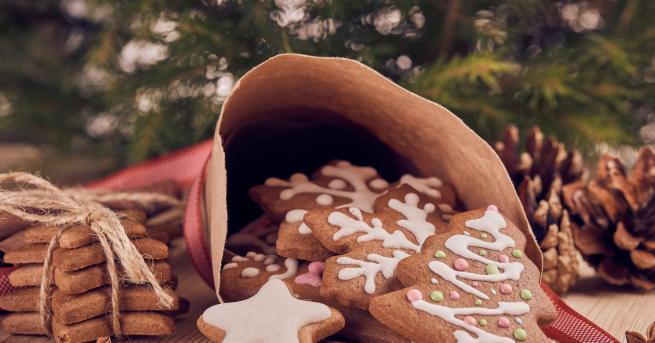 Коледа 3 нови рецепти за коледни сладки За сладки семейни