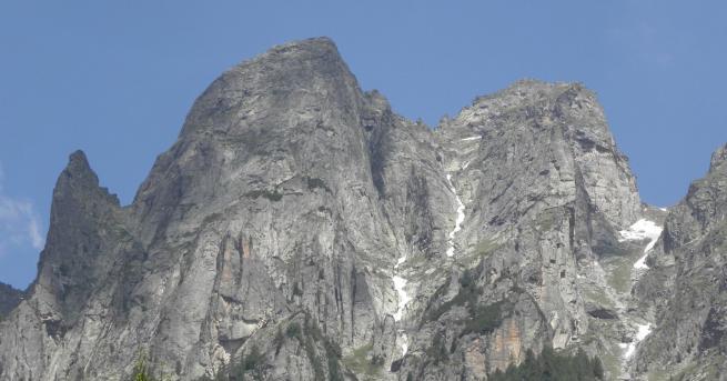 България Мальовишката трагедия: 11 български алпинисти загиват Лавина погубва алпинистите