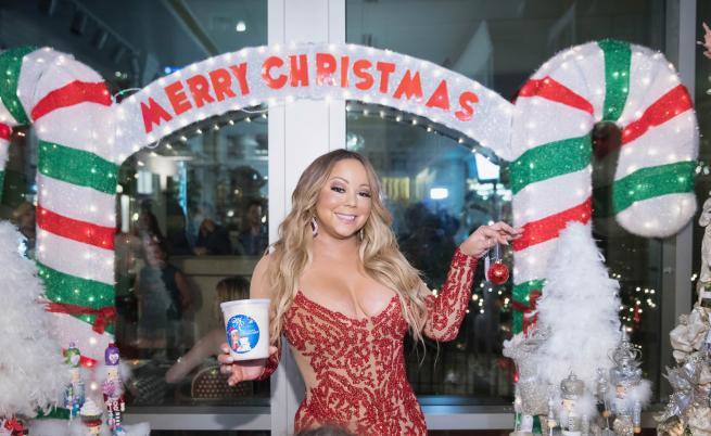 Най-накрая! Коледната класика на Марая Кери е №1