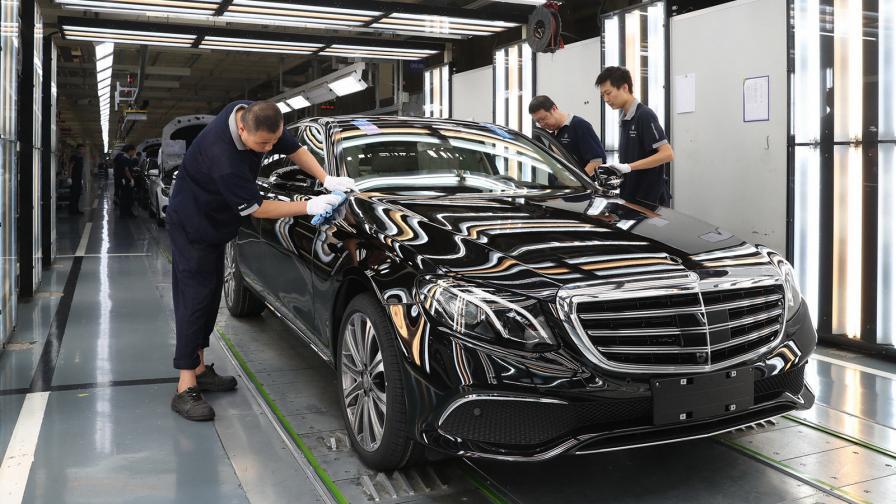 <p>Daimler под китайска обсада</p>