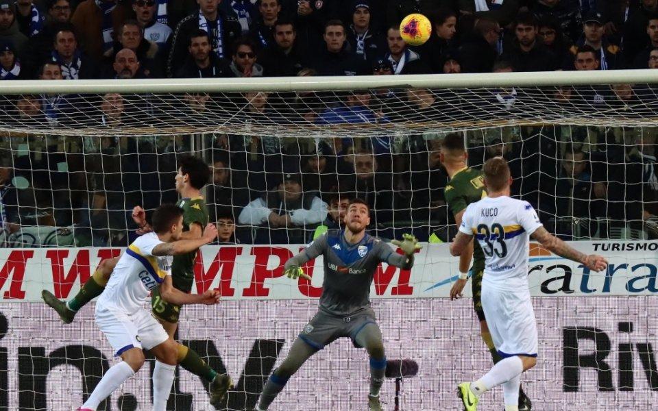 Снимка: Болоня с успех в Серия А, Бреша изпусна Парма
