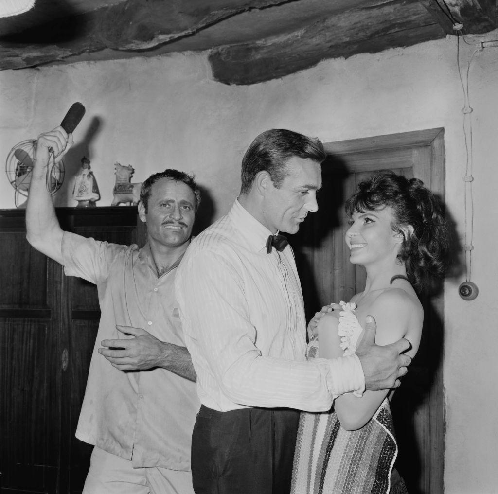<p><strong>Надя Регин</strong></p>  <p>Надя Регин е една от най-популярните сръбски актриси на миналия век. Тя участва в два филма за Джеймс Бонд. Умира на 6 април 2019 г. на 87-годишна възраст в Лондон.</p>