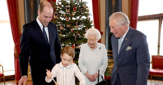Коледа Снимка на кралското семейство очарова хиляди Семейната сцена показва