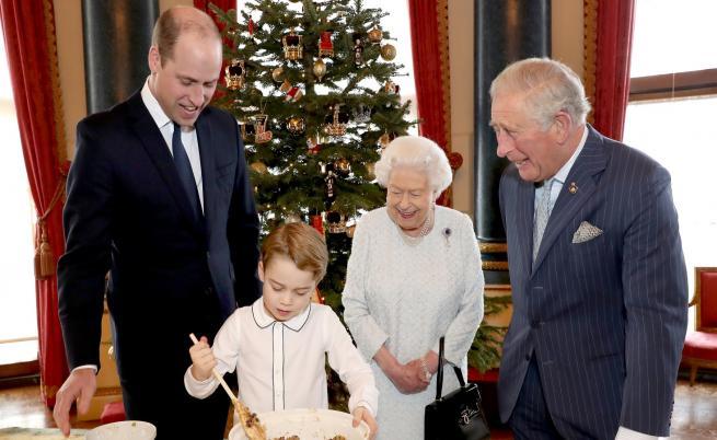 Снимка на кралското семейство очарова хиляди