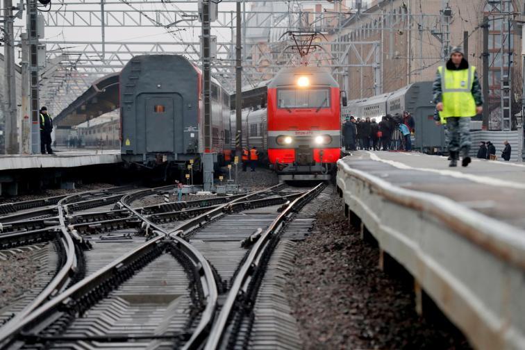 Путин подкара първия руски влак Крим