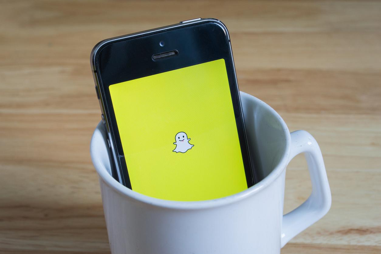 <p><strong>5. Snapchat</strong></p>  <p>Ако трябва да бъдем честни, Instagram дължи голяма част от успеха си именно на Snapchat. Snapchat преживя своята най-голяма популярност в периода между 2013 г. и 2015 г., когато Instagram окончателно се пребори за повече потребители. Днес Snapchat продължава да бъде актуален сред по-младите, а нека не забравяме, че култовите сторита в Instagram всъщност са заимствани от Snapchat.</p>