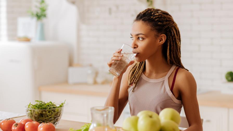 <p><strong>10 храни и напитки,</strong> които помагат срещу подутия корем</p>