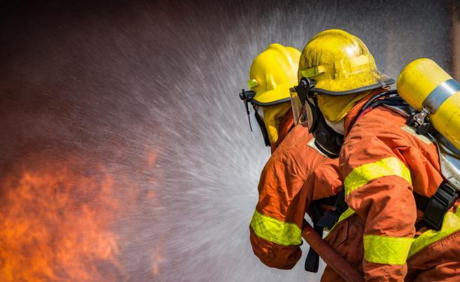 Мъж загина при пожар в каравана в Бургас