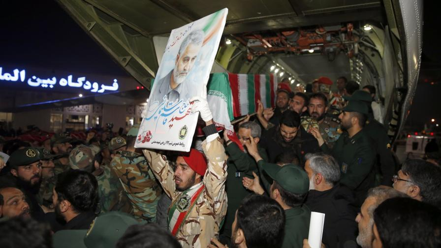 Тялото на Касем Солеймани пристига в иранския град Ахваз