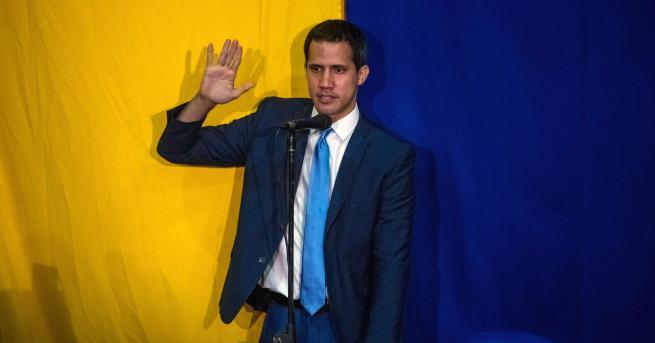 Свят Опозицята във Венецуела преизбра Гуайдо за председател на парламента