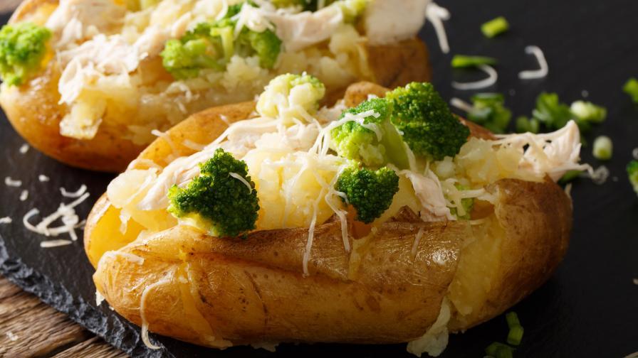Пълнени картофи със сирена и броколи