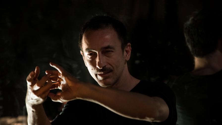 <p><strong>Димитрис Папайоану</strong>&nbsp;променя нагласите към съвременния танц в България</p>