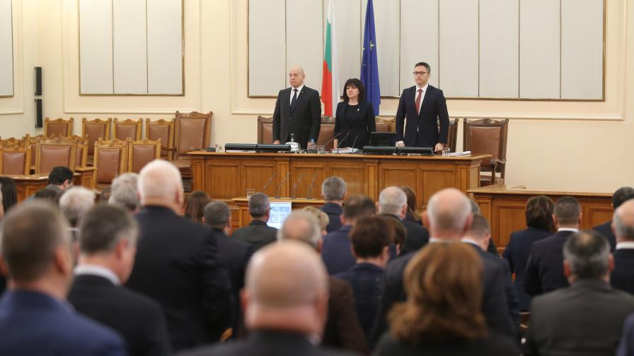 ГЕРБ: Няма да има избори, БСП: Ще сваляме кабинета