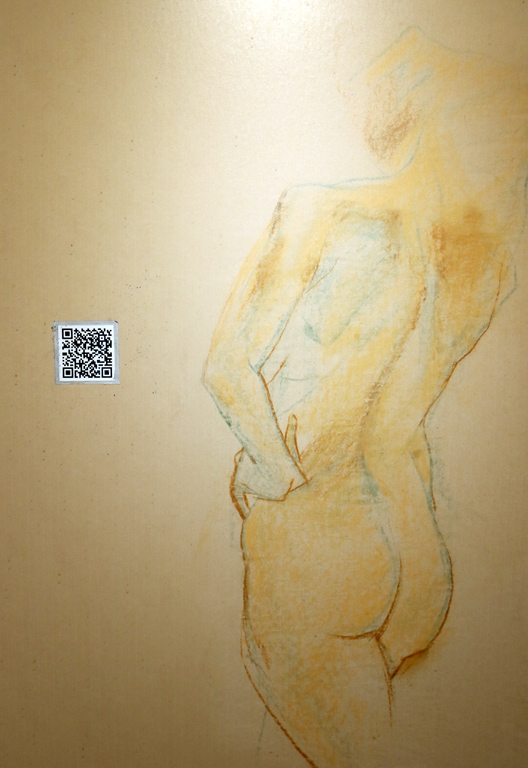 <p>Има многобройни участия в изложби за рисунка, графични изложби и биеналета в страната и чужбина. Участия в модни ревюта със собственоръчно ушита колекция.</p>
