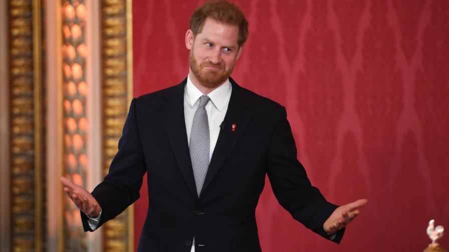 <p>Принц Хари също се появи <strong>за първи път след</strong> кралската сага</p>