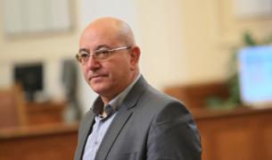 Емил Димитров: Ако спазим закона, трябва да спрем водата на половин България