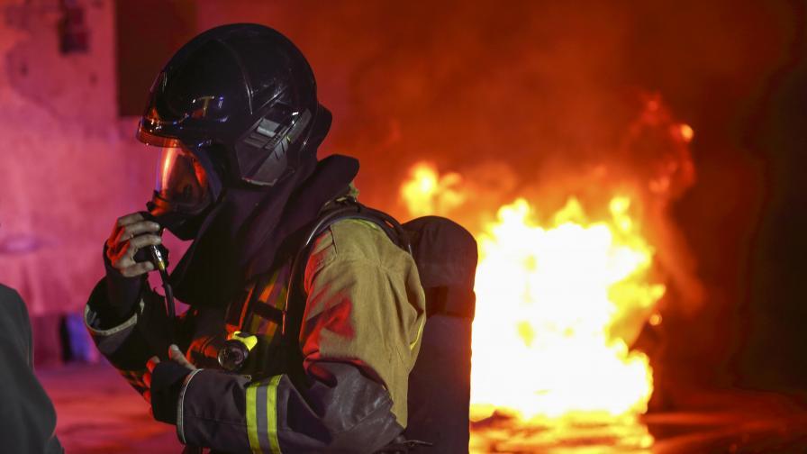 Българка подпали дома си в Италия, дъщеричката ѝ загина