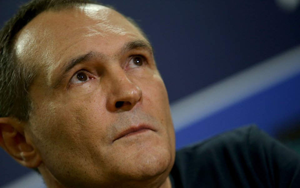 Синът на Васил Божков влезе в съда