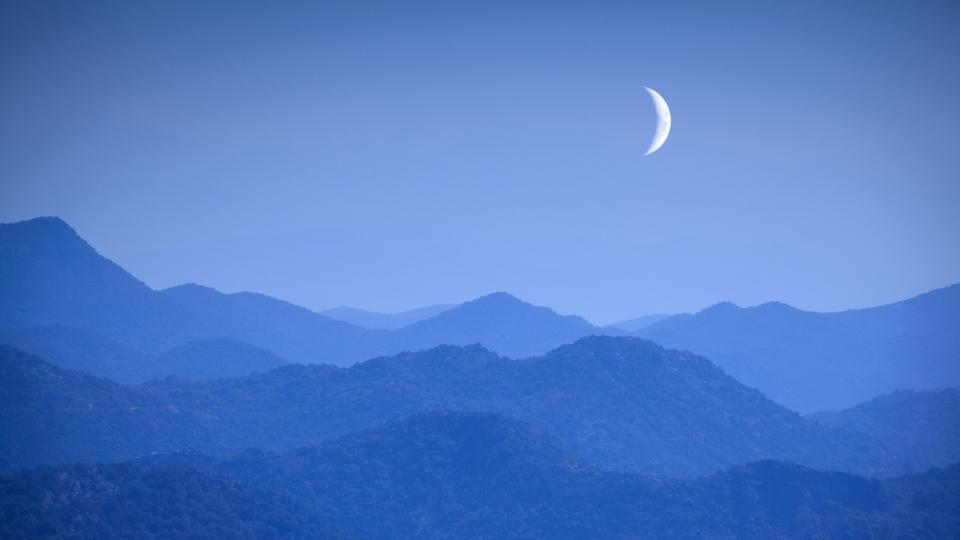 луна новолуние небе