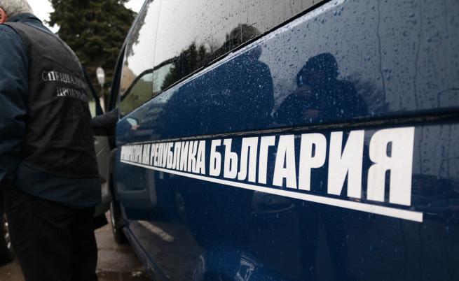 Полиция пред офисите на Васил Божков, арести в Комисията по хазарта