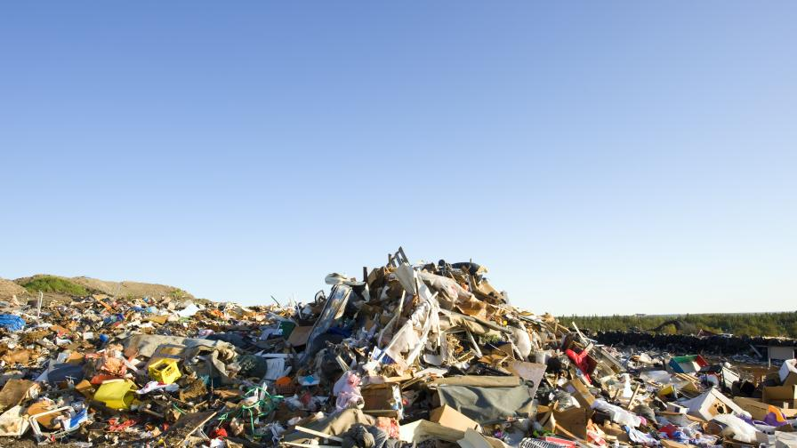 20 контейнера с боклук поеха обратно към Италия