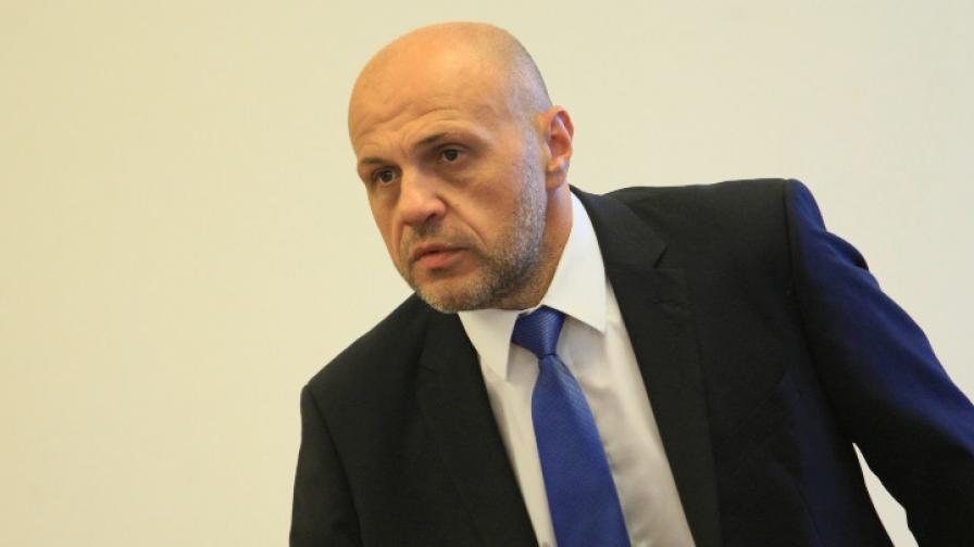 Нинова пита, Дончев й отговори: до 20 000 машини за гласуване
