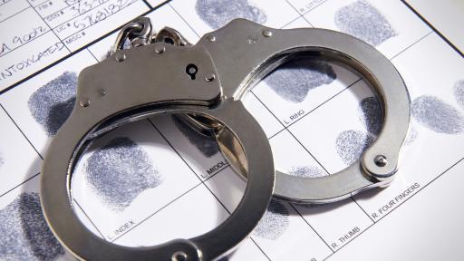 Aрестуваха двама българи в Лондон за принуждаване на дете към просия