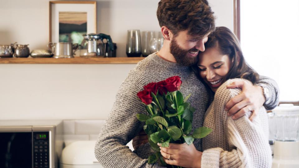 двойка любов връзка цветя рози Свети Валентин