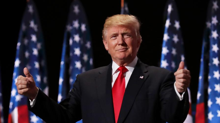 <p>Тръмп: Пикът премина, САЩ трябва да &quot;се съживи&quot; скоро</p>